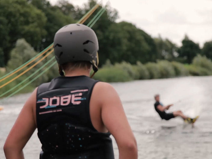 Kabelwaterskibaan Stroombroek - Video